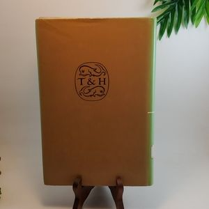 Vintage Accents - VTG Book 1976 First Edition